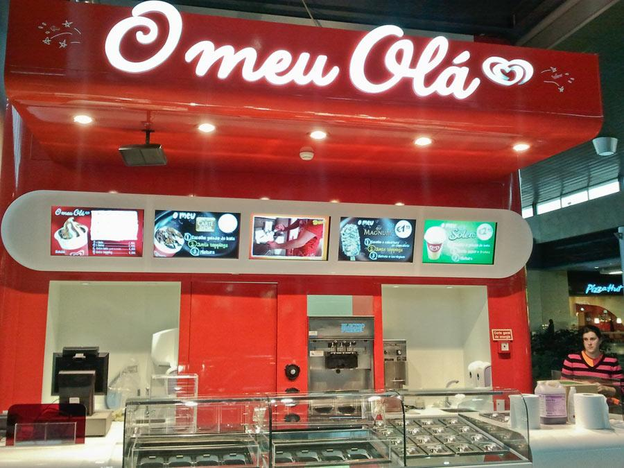 Stinova Digital Signage Solution at Olá Ice cream chain in Portugal