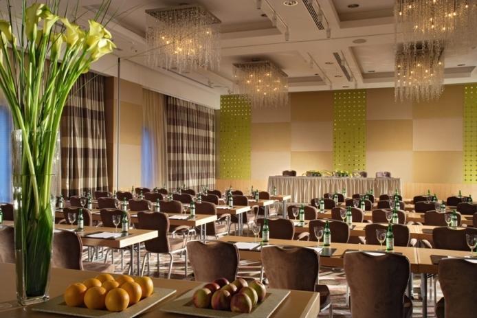 Meeting room at Swissôtel Krasnye Holmy, Moscow