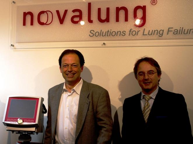 Novalung CEO Dr Matheis and COO Wetscher inaugurated the new headquarters