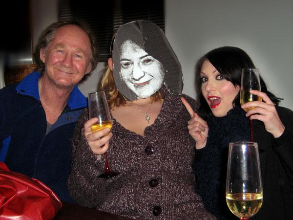 Lisa Maxwell, video star Jasmine Billingsley and Australian artist Ivan Durrant celebrate the chart success of Anna.