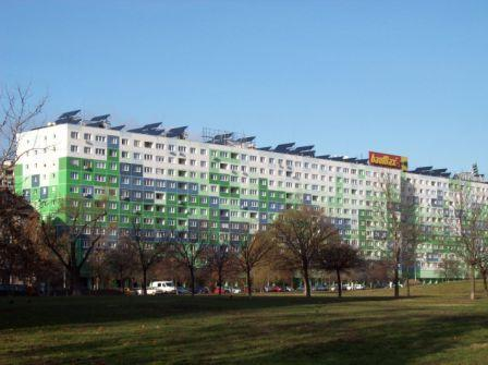 125 TiSUN large flat collectors FA cover the hot domestic demand for the social building in Budapest