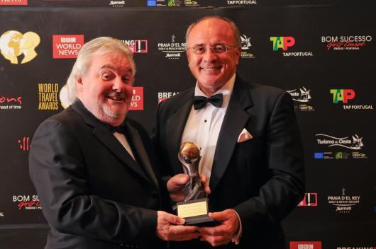 Jan Chovanec receiving the award