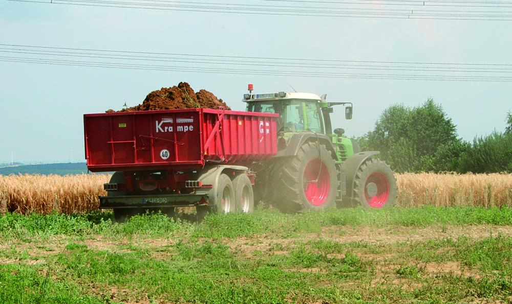 Agricultural trailer in use