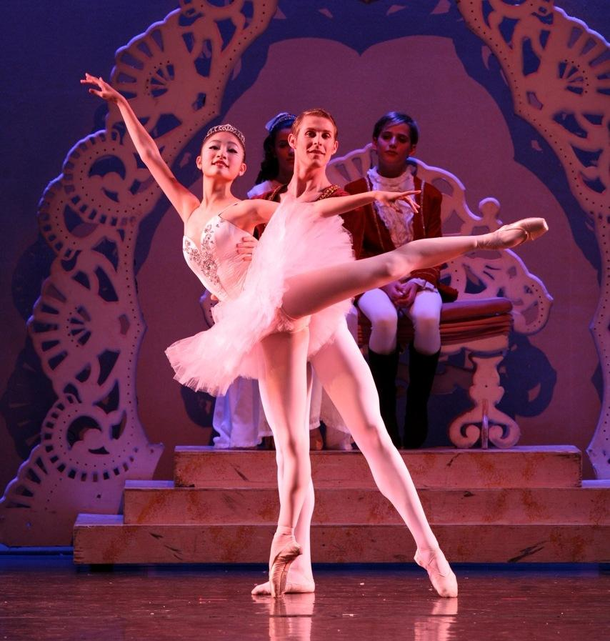 Chung-Myung Park as Sugarplum Fairy. Photo by Todd Lechtick.