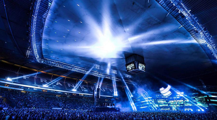 A&O Creative illuminates the Commerzbank-Arena with FALCONs for the World Club Dome,  photo © Manfred Voss