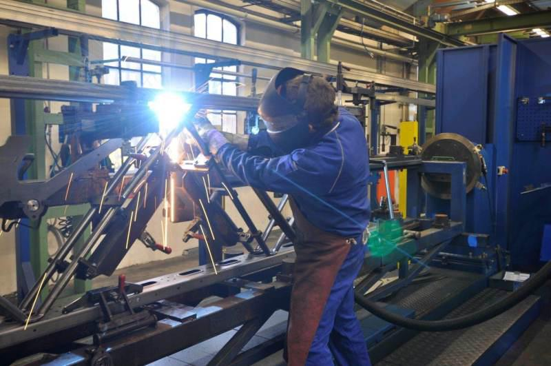 The torch welding extraction protects welders directly at the workplac
