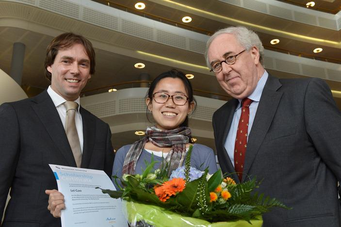 From left to right: Boudewijn de Heer (SABIC), Lei Gao (student) and Jos Kievits (University of Maastricht). (Photo SABIC, PR062)