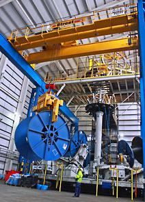 The crane from Street ensures high volume production of multi-core umbilical cables for the marine industry at JDR