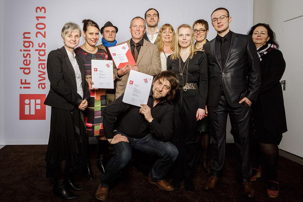 During the awarding ceremony at the BMW Welt in Munich: Ottobock employees with the four iF design awards.