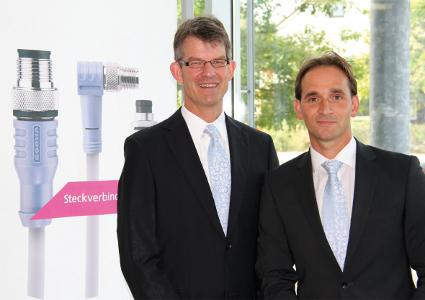 Dipl.-Ing. Dietrich Turck (left) and Dipl.-Wirt.-Ing. Marco Heck (right) jointly head up ESCHA Bauelemente GmbH.