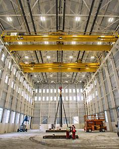 Fabrication bays at Rosyth Dockyard have been fitted with multiple heavy lift cranes from Street Crane.