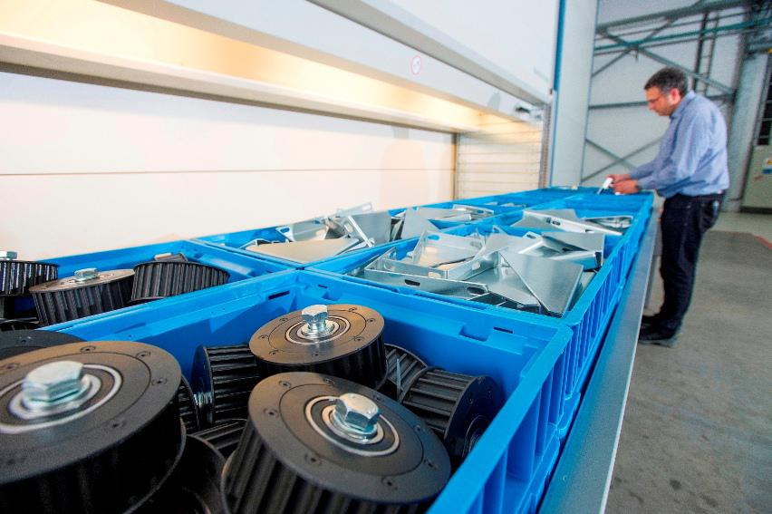 The new storage lift from Kardex Remstar can accommodate goods weighing up to 1,000 kg per tray