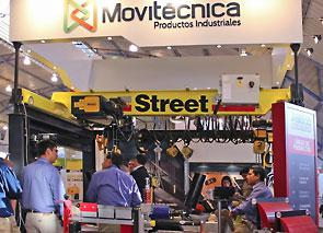 Street Crane hoists featuring on the Movitecnica stand at a recent industrial exhibition in South America.