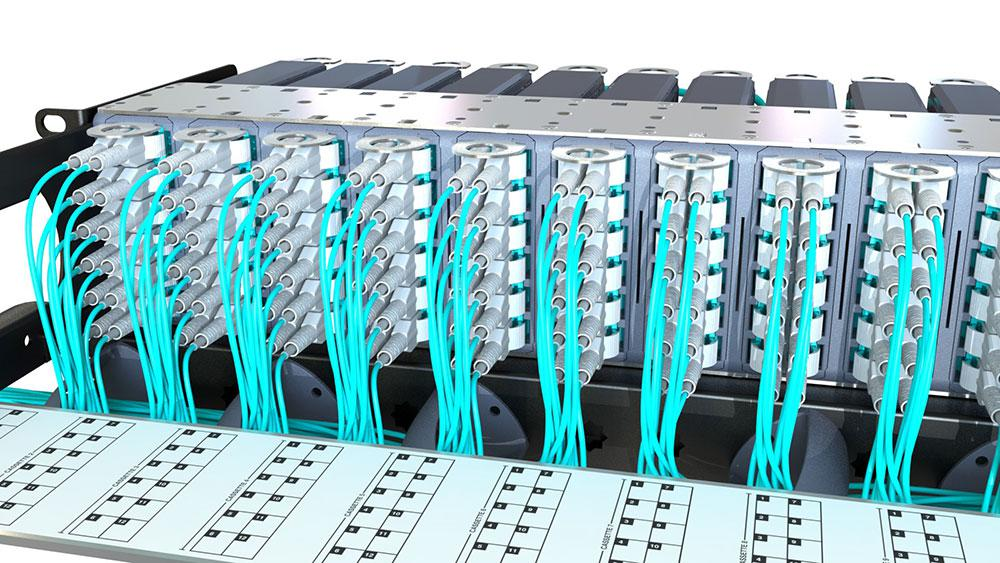 2U UHD Chassis with sliding management