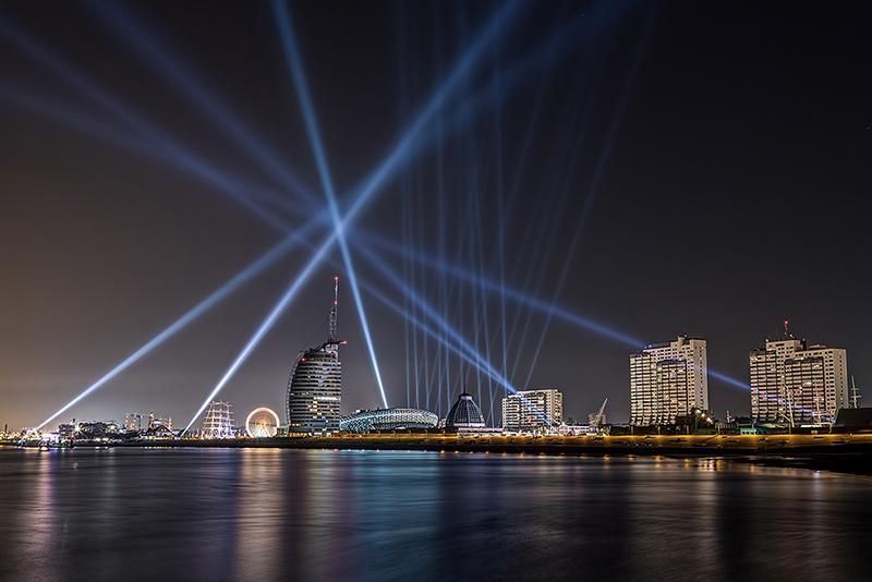 A&O Creative's FALCON light show enchanted the 40th Bremerhaven Festival Week, Photo: © Thomas Kuhnke