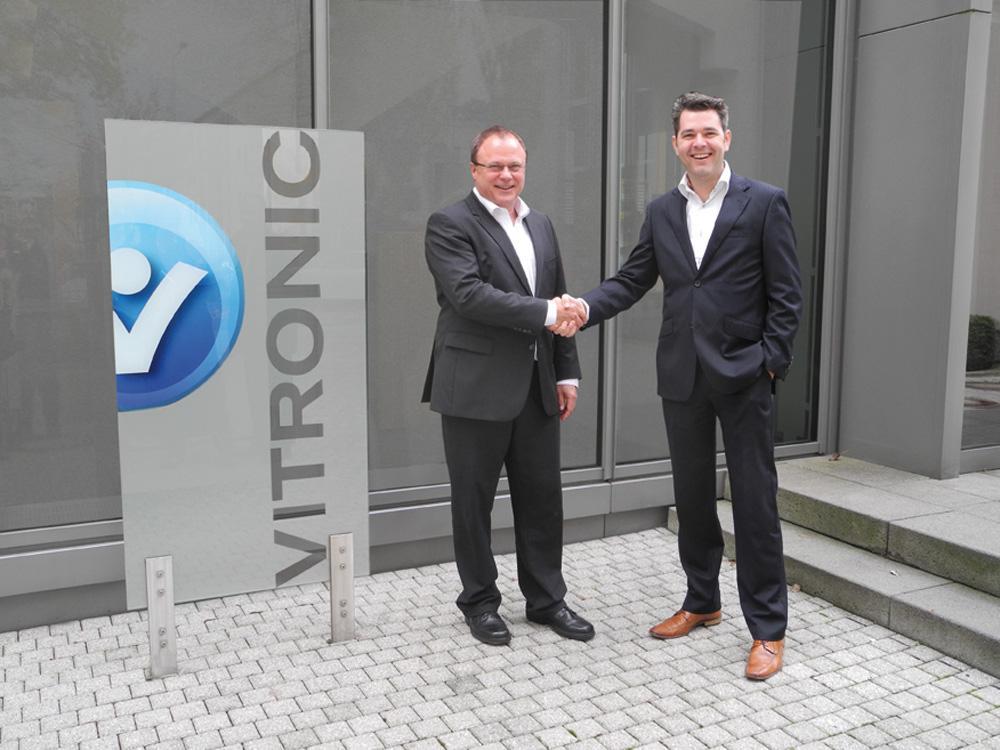 Gerhard Bär, COO VITRONIC GmbH and Maarten Ree, Perfect Transaction Executive TNT