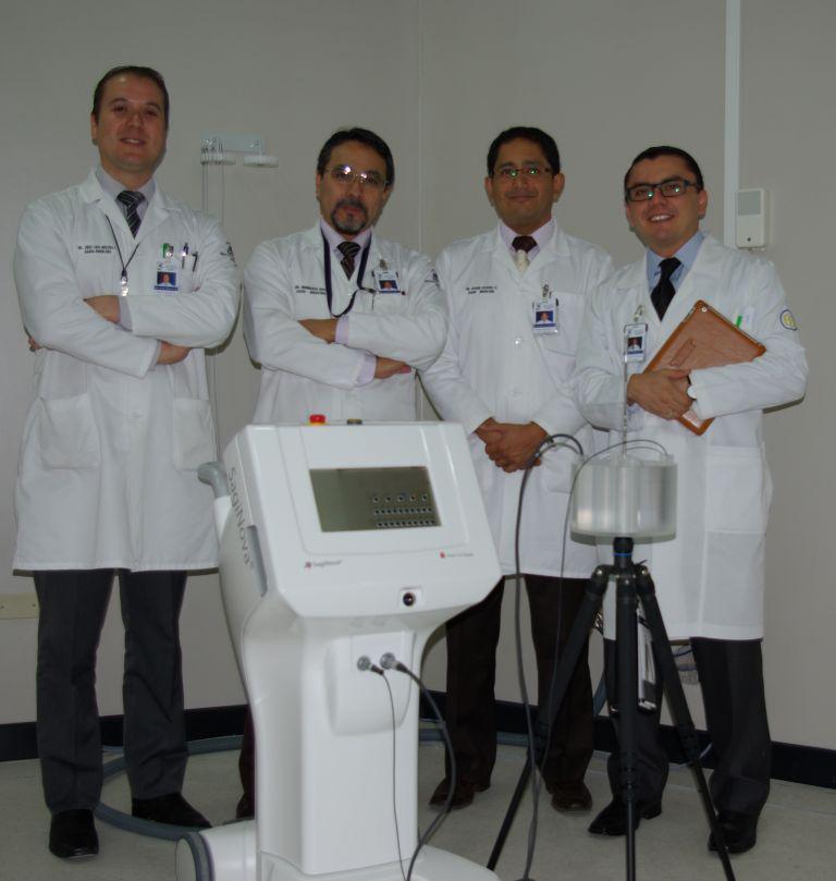 Dr. José Luis Molina, Dr. Humberto Quito, Dr. Byron Alvarez and Dr. Felipe Murillo with SagiNova®