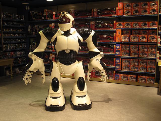 Vast Advancement Expected in Smart Robots Market for