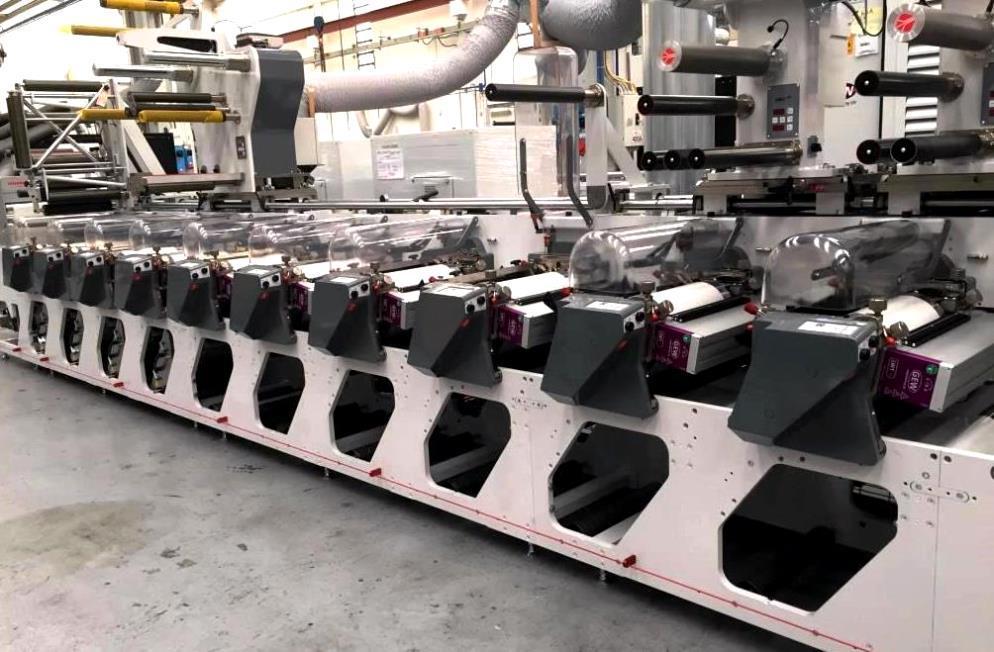 OMET press with GEW LED UV system at Phenix Label