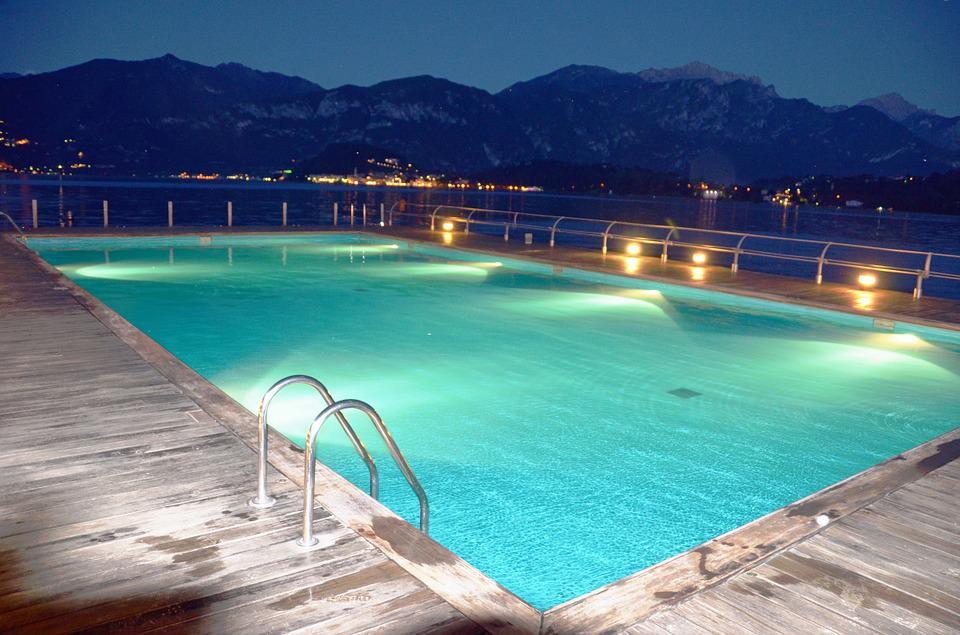 Submersible Pool Lighting