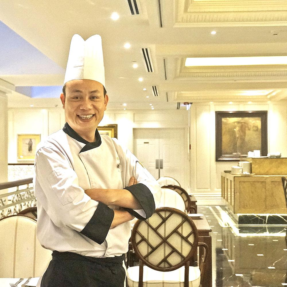 Nguyen Manh Tuan, Apricot Hotel's new appointed executive chef
