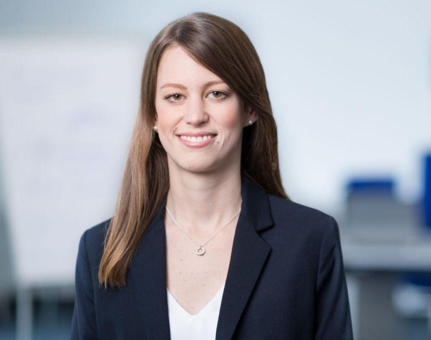 Responsible for further training organization and marketing of the ZESTRON Academy: Lina Fehringer (Copyright ZESTRON)