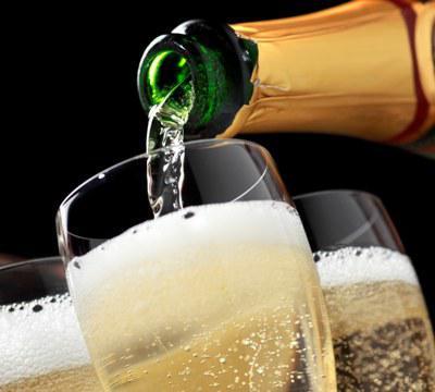 Global Champagne Market 2017 - Moet & Chandon, Dom Perignon,