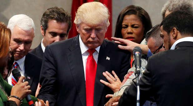 President Trump Prays