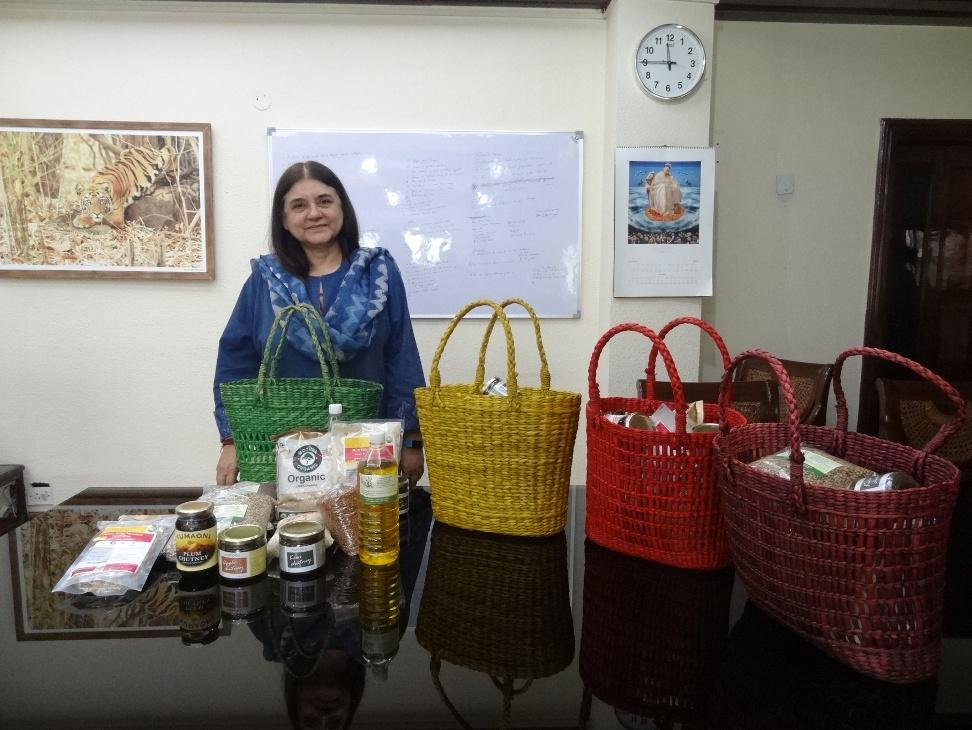 Hon'ble Minister, Smt. Maneka Sanjay Gandhi with the Organic Diwali Gifts