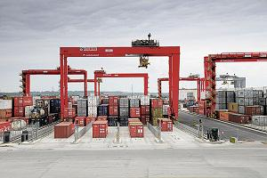 Global Container Stacking Cranes Market