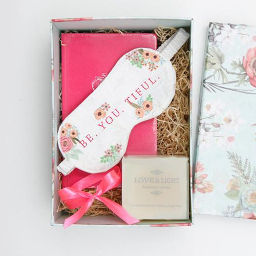 GiftsbyMeeta Listed a Fresh Range of Online Valentine Gifts with