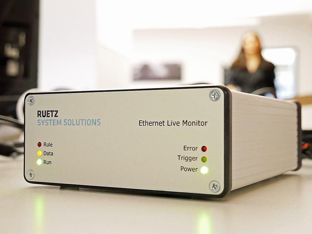 Ethernet Live Monitor identifies the according errors in the live stream and triggers the data logger