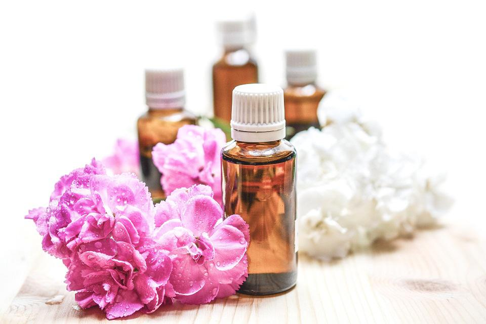 Organic essential oils exporters, essential oils manufacturer