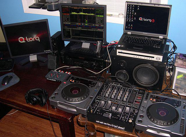 Home Audio Devices Market Size, Share, Trends Analysis Report