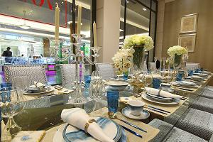 A Unique Dining Experience at 2XL Showroom in Dalma Mall, Abu