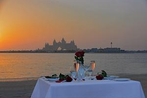 Enjoy the Ultimate Romantic Candlelit Dinner by the Beach