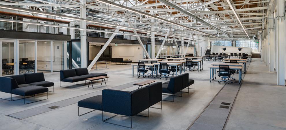 Parabola's Formaspace Office Custom Furniture