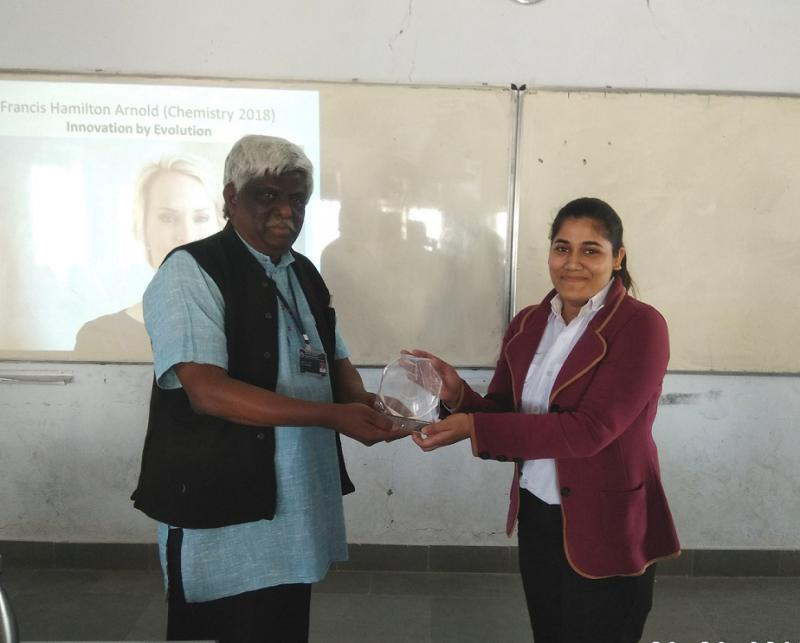 Banasthali Celebrates International Women's Day IWD 2019 - Pragati Sharma with Memento