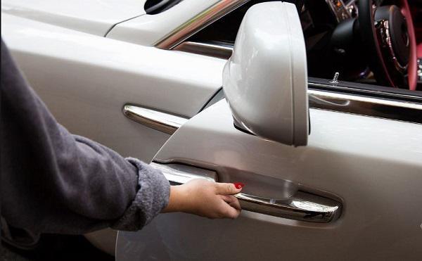 Automotive Retractable Door Handle System