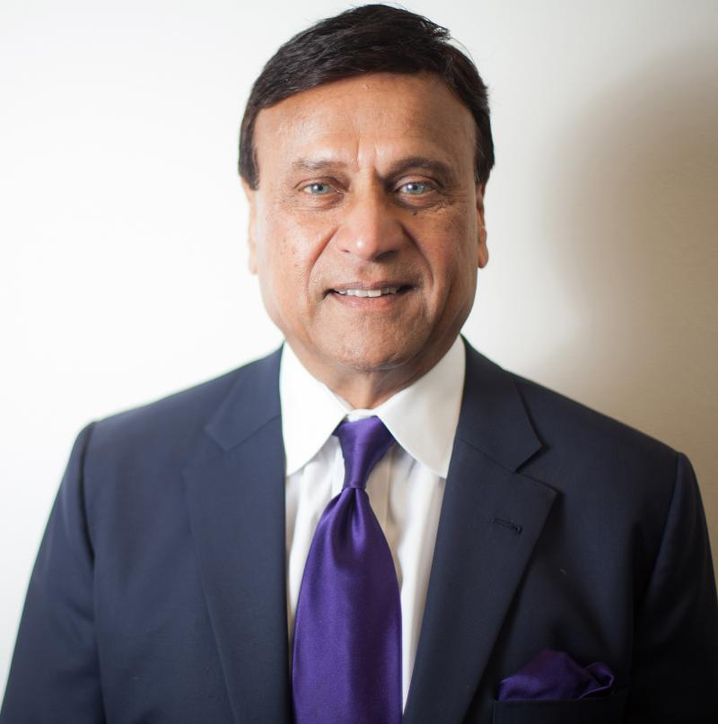 Sayed Ali of Interpreters Unlimited wins SBA Small Business