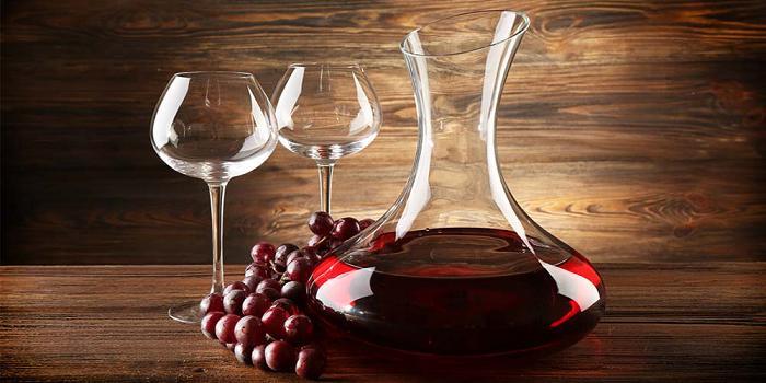 Wine Decanters Market