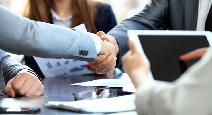 Global Corporate Insurance Market, Top key players are Apollo