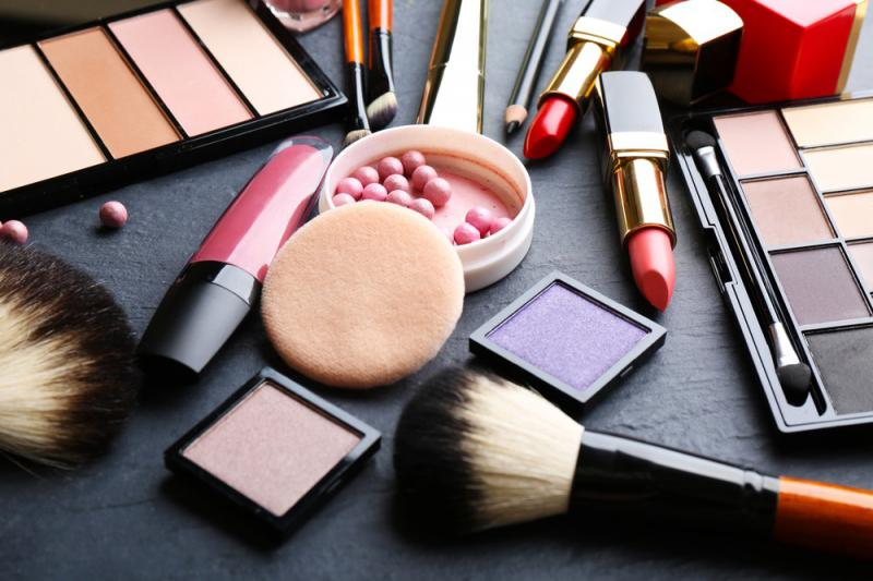 Cosmetic Market Research 2026: A Report By L'Oréal, Avon,