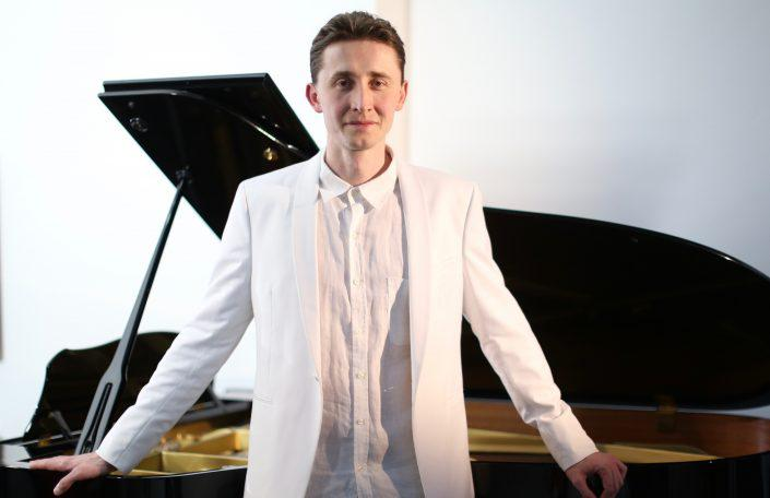 European Piano Academy Brings Piano Learning for Adults
