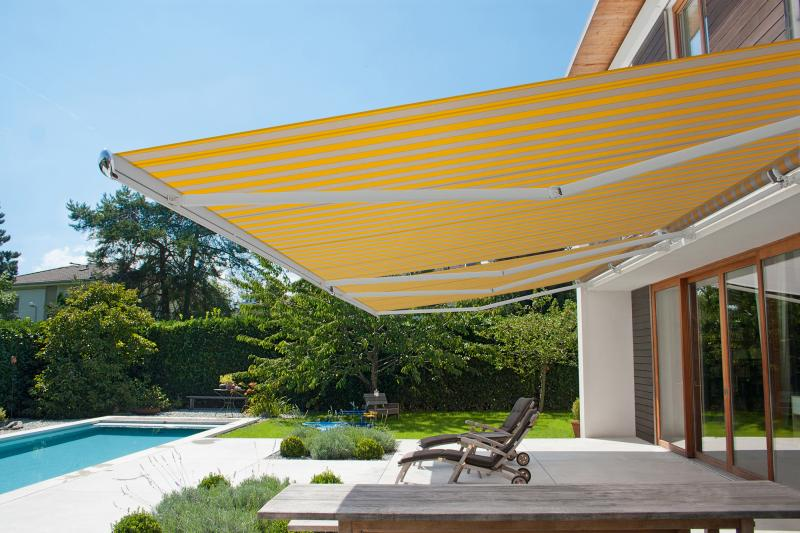 Top-quality designer awnings such as those from markilux are the perfect sun protection for patios and balconies.