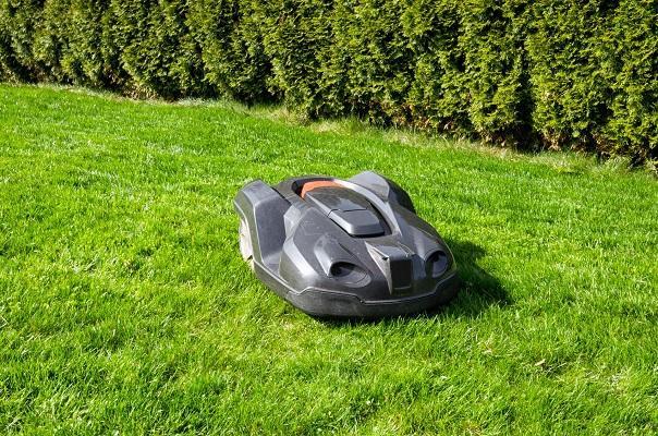 Robotic Lawn Mower Market