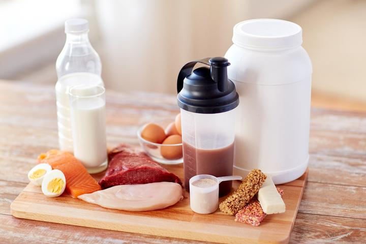 Sports Nutrition and Fitness Supplements Market