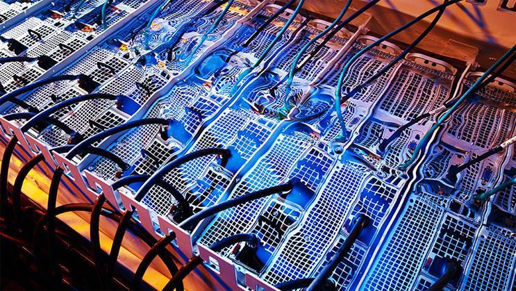 Data Center Liquid Immersion Cooling