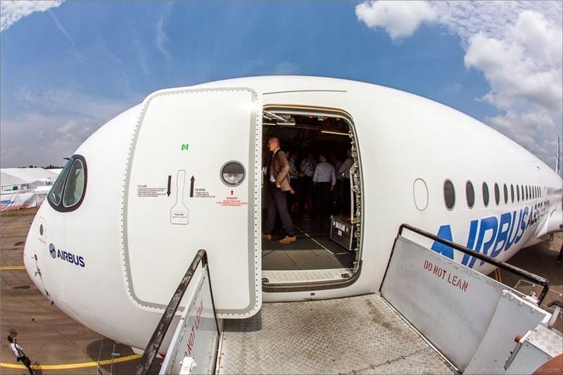 Aircraft Door Market