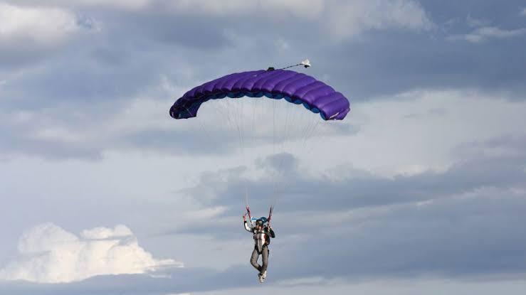 Commercial Parachutes